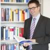 """education & coffee: """"Warum Manager kriminell werden"""", mit Prof. Dr. habil. Stefan Behringer, Professor für Controlling und Corporate Governance & Präsident der NORDAKADEMIE"""