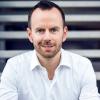 """education & coffee: """"Alexa & Co: Wie digitale Sprachassistenten Geschäftsmodelle auf den Kopf stellen werden"""", mit Tim Kahle - HAMBURG MEDIA SCHOOL"""