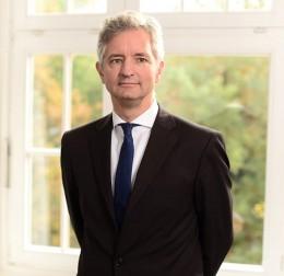 Dr. Albrecht von Menges